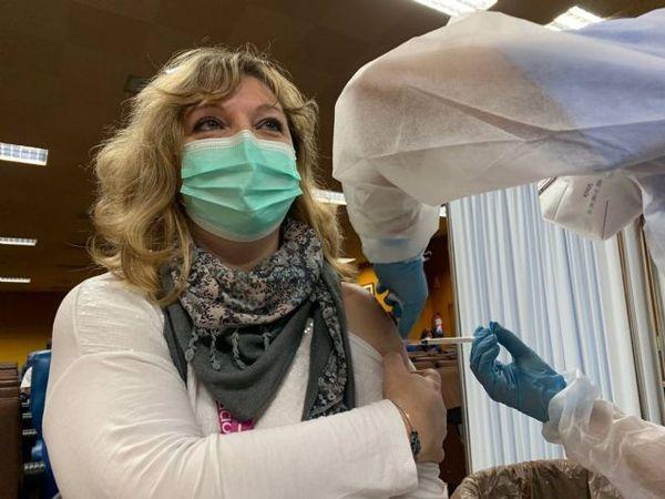 vacuna covid clinico